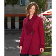 Le vêtement  Pure Laine - <p>Cette veste en pure laine vierge est fabriquée artisanalement dans notre atelier de Valence (Rhône-Alpes, France), tout comme toute notre collection de vêtements pure laine locale !</p>