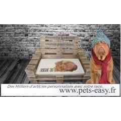 Couchages et coussins pour chien - <p>Notre gamme de coussins pour chiens a été toute spécialement conçue pour combiner les impératifs liés à cet accessoire pour chien :</p> <ul> <li>le confort du chien réalisé par une enveloppe en tissus microfibre, respirante et doux au toucher,</li> <li>le lavage par une garniture tressée en fibre polyester et une enveloppe déhoussable,</li> <li>son adaptabilité aux mobiliers, ce couchage pour chien de 3 cm est assez souple pour venir se loger dans le panier du chien ou sa caisse, prendre sa place dans le coffre de la voiture ou sur la banquette arrière de votre véhicule,</li> <li>son esthétisme car ce coussin pour chien est également personnalisé avec la race de votre animal et compagnon.</li> </ul> <p>Sans doute unique sur le marché des coussins, couchages, corbeilles et autres lits pour chiens, notre solution vient souvent en complément de tout cet arsenal de confort.</p> <p>Personnalisable avec prêt de 600 visuels de races de chiens et chats, chevaux et gibiers, il viendra agrémenter votre décoration de maison et en facilitera son entretien.</p>