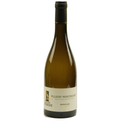 """Puligny-Montrachet 2018 - Un vin blanc (chardonnay) d'appellation village. Très élégant, flatteur sur des senteurs d'aubépine, raisin mûr, pâte d'amande, noisette, pomme verte. En bouche c'est les arômes de beurre et minéraux qui sont très présent, ainsi que le miel. Corps et bouquet se fondent en un mariage subtil. Encore très jeune donc vif en bouche, il peut se garder jusqu'à 3 ans pour un vin plus doux et jusqu'à 6 ans pour un vin mûr avec des arômes plus complexes dit de """"vieux"""" vins."""