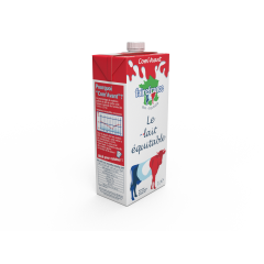 """Lait entier Com'Avant - Dans la plupart des laits entiers UHT traditionnels, le pourcentage de matières grasse du lait de vache est standardisé à 3.5% alors qu'il varie naturellement suivant la période de l'année de 3.6% à 4.3%. Retrouvez donc dans ce lait """"Com'Avant"""" la variation naturelle de la matière grasse en fonction de la saison ! Idéal pour cuisiner !"""