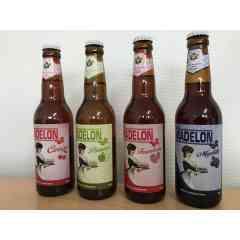 La Madelon (Cerise, Myrtille, Pomme, Framboise) - Bière aux arômes naturels de fruits : - Cerise : 5,5° - Myrtille : 4° - Pomme : 4° - Framboise : 4°