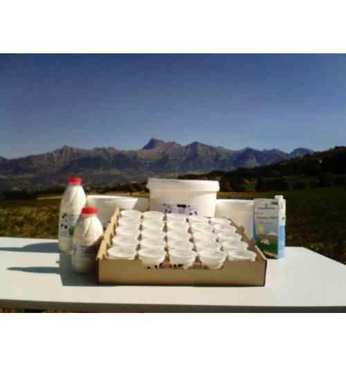 Coopérative Laitière des Alpes du Sud - La coopérative Laitière des Alpes du Sud regroupe aujourd'hui 45 producteurs de lait qui vont du bassin gapençais, au guillestrois en passant par l'embrunais. Produisant d'abord pour des partenaires du lait fermenté (Lact'orient) ainsi que des fontainebleaux et des crèmes au four (Sacré Willy), la coopérative produit depuis 2010 ses propres produits à la marque Hautes Alpes Naturellement. Label qui garantit que tous nos produits sont issu d'exploitation Haut Alpine, mais également qu'ils sont produit dans notre département.