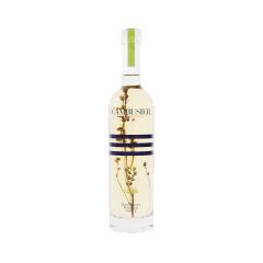 Liqueur de Génépi - La noblesse de cette liqueur traditionnelle résulte de l'assemblage d'une macération de génépi et d'un alcoolat de génépi. La bouteille est finement complétée par son herbe qui continue d'infuser.