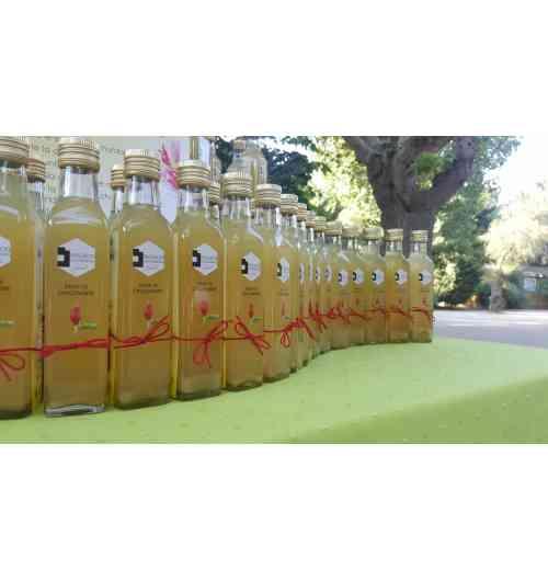 Sirop de Gingembre - le sirop de gingembre possède de multiples vertus médicinales. Stimulant le système immunitaire, il facilite notamment la digestion, prévient les nausées, soigne les rhumatismes et combat la migraine. Le sirop va aromatiser vos cocktail et boissons mais aussi donner du peps à votre cuisine !