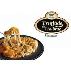 Truffade de l'Aubrac - C'est le délicieux mariage entre des pommes de terre rissolées, de la Tome Fraîche de l'Aubrac au lait cru et du Laguiole AOP affiné.  La Tome Fraîche apporte filant et goût fromager ; le Laguiole Affiné vient quant à lui forger le caractère de ce plat traditionnel. Ce plat fromager aussi appelé localement Rétortillat est un accompagnement idéal et original pour votre viande. Il peut également être consommé en plat unique accompagné d'une salade.