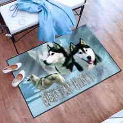 Tapis de sol - <p>Pets-easy est fabricant d'articles et accessoires personnalisés avec les races de chiens et chats, des chevaux et gibiers. Dans sa gamme de produits personnalisés, le tapis de sol est un incontournable de notre collection. Disponible en trois tailles, il peut être disposé aussi bien à l'entrée de la maison qu'en sortie de douche, descente de lit ou tapis de salon.</p> <ul> <li>Tapis d'entrée avec votre race de chien, dimension standard de 60 par 40 cm, ce petit tapis peut aussi servir de tapis pour voiture,</li> <li>Tapis de salle de bain ou en sortie de douche, ce tapis n'est plus un paillasson, il fait 80 par 60 cm et vient décorer agréablement toutes les pièces de la maison,</li> <li>Le grand tapis fait 1,2 par 0.8 m, imposant par sa taille, il colorise tous les lieux de passage avec votre race de chien ou de chat.</li> </ul> <p>Notre boutique de tapis est réalisée avec une sous-couche en PVC noire antidérapante associée à une brosse de 5 mm en polyester imprimée dans la masse. Nos tapis sont lavables en machine.</p> <p></p>