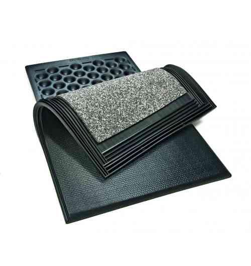 Tapis de couchage KEW+ - Une souplesse ultime pour un confort incomparable! - Souplesse idéale, durable dans le temps, pour chaque charge supportée grâce aux 3 couches. - Le couchage souple au centre du tapis contribue au bon positionnement de la vache et améliore l'adhérence. - Surface élastique et douce pour la peau. - La pente intégrée à l'arrière favorise le séchage de la surface. - La coupe biseautée à l'arrière ménage les articulations en évitant les trébuchements.  Dimensions du système: épaisseur: env. 60 mm largeur (réglable avec barre de connexion) × longueur: 115/120/125/130 cm × 183 cm