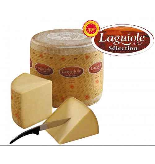 Fromage de Laguiole AOP - Fabriqué et affiné au coeur de l'Aubrac, le Laguiole est produit selon les méthodes traditionnelles héritées des moines et des buronniers de l'Aubrac. Dans la famille des fromages à pâte pressée non cuite, le Laguiole AOP séduira les amateurs à la recherche d'un fromage au lait cru et entier qui lui confère sa typicité et son caractère . Affiné au minimum 120 jours et jusqu'à plus de 2 ans dans les caves à Laguiole, la couleur de sa robe, son goût et la texture de la pâte évolueront lentement sous l'action du temps et des soins des affineurs.