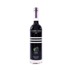 Crème de Cassis - L'unique crème de notre sélection a un goût riche et intense. La macération de cassis Noir de Bourgogne lui donne une couleur rouge sang authentique et très caractéristique.