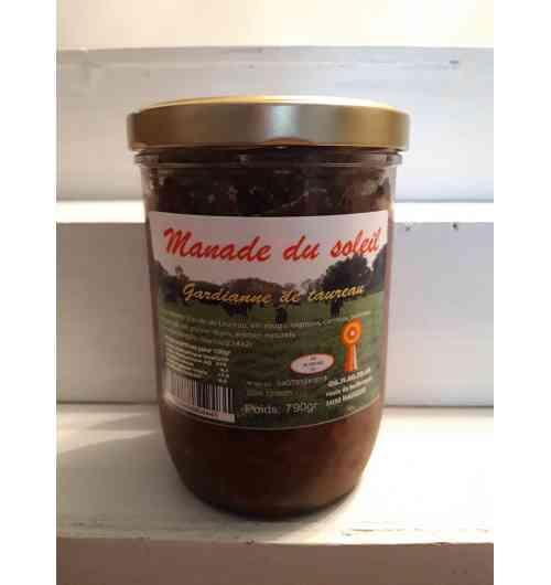 Gardiane - Viande de taureaux Camargue (race di biou) prépare avec du vin rouge carottes oignon poireaux sel poivre olive ail