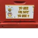 Parrainer une ruche - <p>Parrainer une ruche avec www.monmiel.fr c'est s'engager ensemble en faveur des abeilles.</p> <p>Je parraine des abeilles et partage ma ruche avec d'autres parrains et marraines.</p> <p>Je reçois en échange du bon miel de mes abeilles.</p>