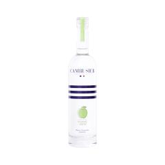 Liqueur de Pomme - Ce subtil assemblage de différents distillats de pomme surprend par sa douceur et égayera vos papilles, associant son caractère à la fois acidulé et sucré : quel équilibre !