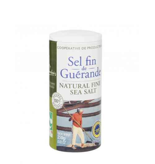 Sel Fin de Guérande boite 250g - Fruit de l'océan, du soleil et du vent, notre sel de Guérande est récolté à la main par les paludiers selon une méthode traditionnelle millénaire. Le sel fin Le Guérandais est non raffiné et  ne contient aucun additif. Il est juste séché et broyé. Il convient parfaitement à tous les usages, en cuisine comme sur la table.