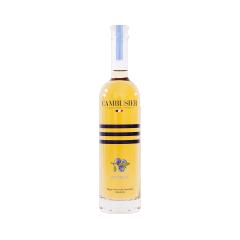 Liqueur de Prunelle - La richesse, la rondeur et le côté sauvage de cette liqueur proviennent d'un assemblage de macération de prunelle et de son noyau qui lui donne un arôme d'amande.