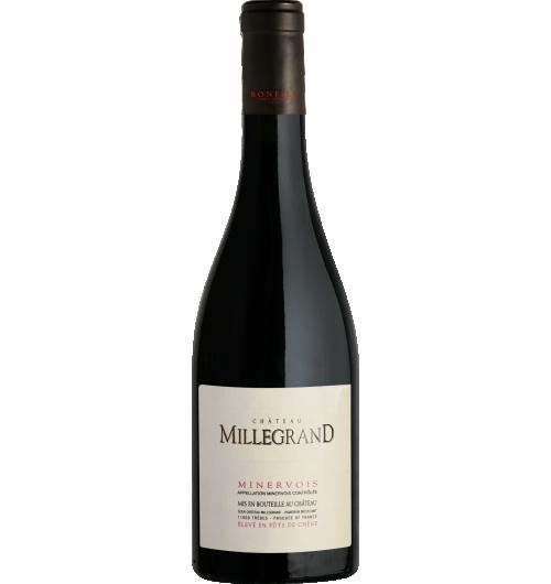 Vignobles Bonfils - Château Millegrand - Fût - CÉPAGES Syrah 70%, Grenache 20%, Carignan 10%  APPELLATION AOP Minervois Rouge  SOL Argilo-graveleux  Avec  ses  200  hectares,  le  Château  de  Millegrand  est  l'un  des  plus  vastes domaines  viticoles  du  Languedoc.  Il  s'étend  le  long  du  Canal  du  Midi, patrimoine mondial de l'Unesco, sur la commune de Trèbes, dans l'Aude. Cette  propriété  fut  donnée  à  l'Abbaye  de  Lagrasse  au  XIIème  siècle  et appartenait depuis au clergé. En 2003, le Château devint la propriété de la famille Bonfils au terme d'un accord avec l'Evêché de Carcassonne.  TERROIR Le vignoble est posé sur un terroir constitué d'un plateau graveleux et de conques argileuses, avec le Canal du Midi en contrebas.  VINIFICATION La vendange des parcelles destinées à cette cuvée est entièrement effectuée à la main afin d'éviter toute trituration à la vigne. Les grappes sont éraflées et les baies foulées avant l'encuvage. La fermentation est conduite cépage par cépage à température dirigée (28 °C) entre 14 jours et 21 jours. La macération sous marc a duré jusqu'à 5 semaines pour le Carignan et la Syrah. Les actions sur le chapeau de marc sont ciblées pour exploiter le potentiel des pellicules sans nuire à l'élégance des tanins. Les fermentations se font en cuves ou en fûts selon le cépage. L'assemblage final est réalisé entre les vins élevés en cuves et ceux élevés en fûts (neufs, 1 et 2 vins).  NOTES DE DÉGUSTATION La robe est rouge sombre avec de légères nuances violacées. Le nez est riche d'arômes de fruits mûrs, de sous-bois. En bouche, le boisé est délicat et se marie parfaitement à la fraîcheur du vin. La structure élégante porte loin les notes poivrées et la douceur de la Syrah.  AVIS DU SOMMELIER Accords mets/vin : carrés d'agneau glacés au miel, purée de patates douces, plateau de fromages variés. Température de service : 16-18°C Garde : 5 ans