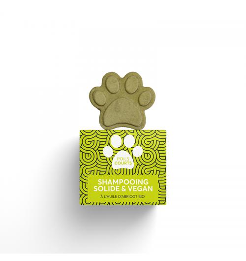 Shampooing solide poils courts PEPET'S - Ce shampooing solide,naturel et vegan, est adapté aux poils courts, quelle que soit la couleur du pelage. Idéal pour les animaux ayant la peau sensible, le shampooing Pepet's poils courts est formulé à base d'argile verte, d'huile d'abricot et d'huile de coco bio, aux actions complémentaires. L'argile verte, aux propriétés assainissantes et normalisantes, permet de réguler la production de sébum tout en apportant de la vitalité et du volume au poil. Plus nutritives, les huiles végétales d'abricot et de coco bio offrent un effet satinant, renforcent la racine du poil et font briller le pelage naturellement.  * Assainissant * Sébo-régulateur * Nourrissant  60ml