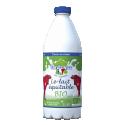 Lait BIO demi écrémé en bouteille 1 L - Pour répondre à la demande du public, la marque de lait équitable FaireFrance propose désormais un lait bio. Un lait plus riche en oméga-3, contribuant à la réduction du diabète, la prévention des maladies inflammatoires et le renforcement des fonctions immunitaires. Un lait de qualité mais également bon pour la santé ! Les animaux sont élevés selon les règles strictes de l'agriculture biologique. Ils sont nourris avec une alimentation essentiellement composée de pâturages et de fourrages provenant presque toujours de l'exploitation elle-même. Les pesticides, engrais chimiques de synthèse et organismes génétiquement modifiés (OGM) sont interdits.