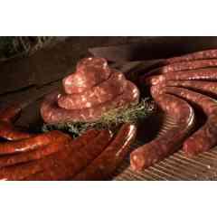 SAUCISSE FRAICHE - Nous commercialisons la célèbre saucisse de Toulouse sous toutes ses formes (fine, grosse, chipolatas…) et des produits dérivés (merguez, chair, farce à légumes). De multiples conditionnements nous permettent de proposer ces produits dans des barquettes sous atmosphère, de diverses contenances.