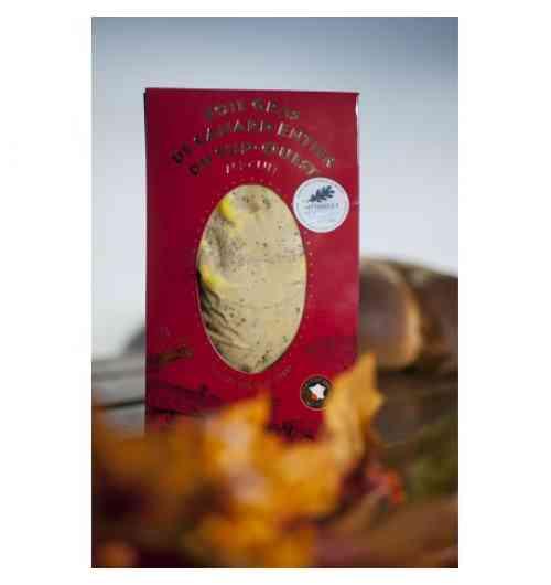Foie gras de Canard MI-CUIT Entier IGP Sud-Ouest - Notre Foie Gras de Canard Entier est sélectionné rigoureusement au cœur du Sud Ouest et répond aux critères IGP* (Indication Géographique Protégée).  De nombreuses fois médaillé au Concours Général Agricole, notre Foie Gras de Canard Entier Mi-Cuit artisanal est uniquement assaisonné de sel et de poivre. Il est fabriqué au coeur du Sud-Ouest à Beaumont-de-Lomagne (82) selon notre savoir-faire ancestral.  L'utilisation de la mention «Foie Gras entier» est très réglementée et souligne non seulement la qualité des Foies Gras Micouleau mais assure également un foie gras en un seul morceau de lobe.  Il peut être vendu sous vide ou en conserve : Sous vide (200g ou 400g) ou bocal (120g, 180g ou 330g).