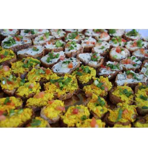 Rillettes de poisson - Rillettes de poisson au combava, au curry, au citron ou à la moutarde. Élaborées par une poissonnerie artisanale à base de poisson pélagique pêché à la ligne et aux hameçons en Océan Indien.