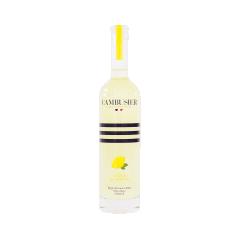 Liqueur de Citron de Menton - La macération d'écorces de citron de Menton réalisée par notre artisan liquoriste est étonnamment gourmande et rafraîchissante.