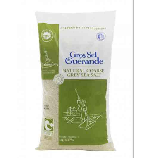 Gros Sel de Guérande sac 5kg - Fruit de l'océan, du soleil et du vent, notre gros sel de Guérande est récolté à la main par les paludiers selon une méthode traditionnelle millénaire. Le gros sel Le Guérandais ne contient aucun additif, il est non raffiné et non lavé.