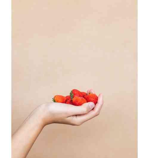 Fraise - Voici les fraises Agricool, cultivées sans pesticides, fraîches, locales, et surtout 100% plaisir.