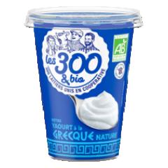 Yaourt à la grecque - Yaourt à la grecque fabriqué à partir de lait entier 100% français et d'une touche de crème. Format 450g. Sa texture crémeuse et son pot maxi format fait de lui l'atout incontournable des desserts généreux !