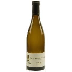 Savigny-lès-beaune 2017 - Le Savigny-lès-Beaune est un vin blanc (chardonnay), appellation village. jaune dorée très claire avec des reflets verts, elle est claire, brillante, pétillante. Vous apprécierez ce vin pour son côté complexe mais léger c'est-à-dire un bouquet de chèvrefeuille, aubépine et acacia. En bouche, un vin sec aux arômes d'abricot et miel. Cela amène le vin sur une note agréable.